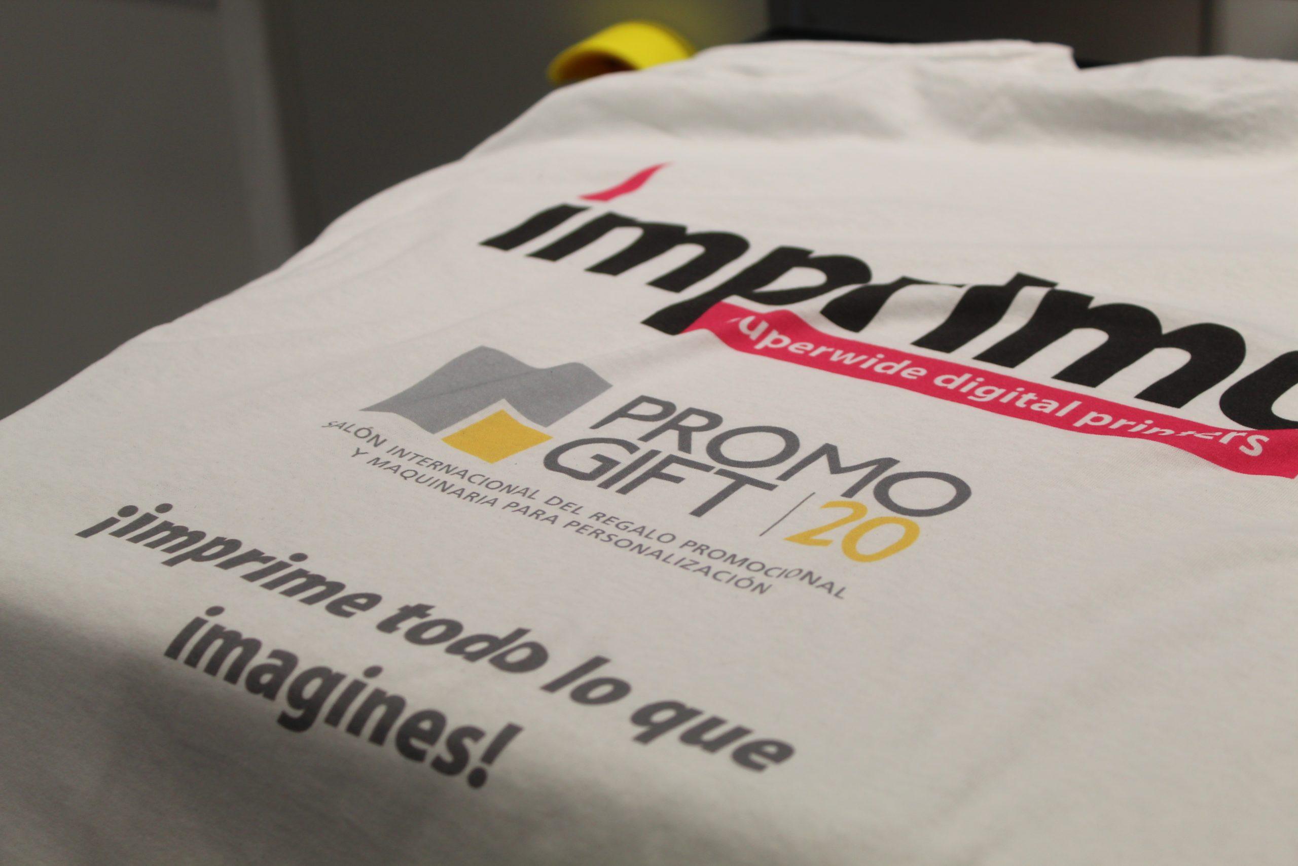 Camiseta impresa con maquina Imprimo